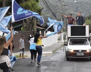 Felipe Peixoto faz corpo a corpo no Centro e Ingá e correata nas regiões Leste e Oceânica