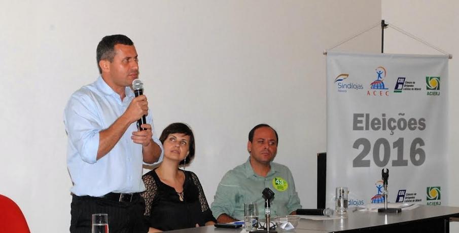 Felipe Peixoto começa semana com participação em debate do Sindilojas e sabatina em Igreja Batista