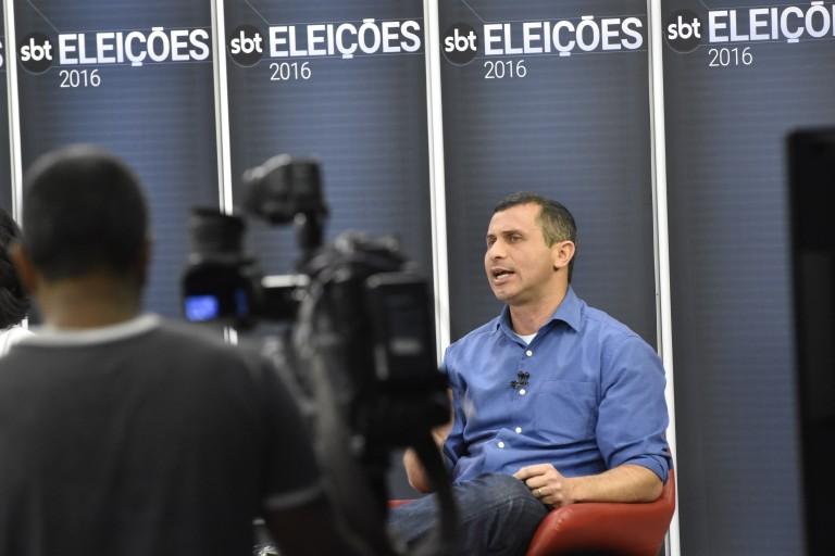 Em debate ao vivo, Felipe defende mais atuação do município na segurança