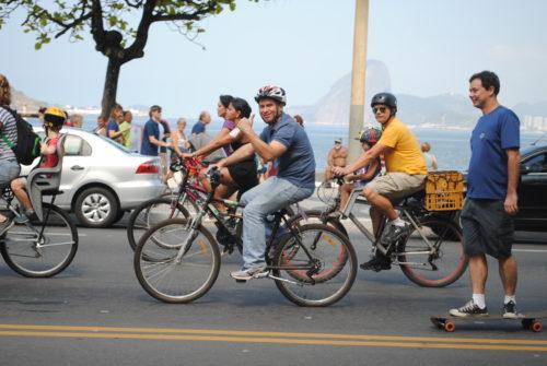 Felipe participa de bicicletada em prol da mobilidade ativa