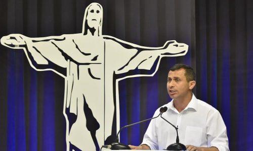 Felipe Peixoto reafirma compromisso com combate à corrupção em debate no SBT