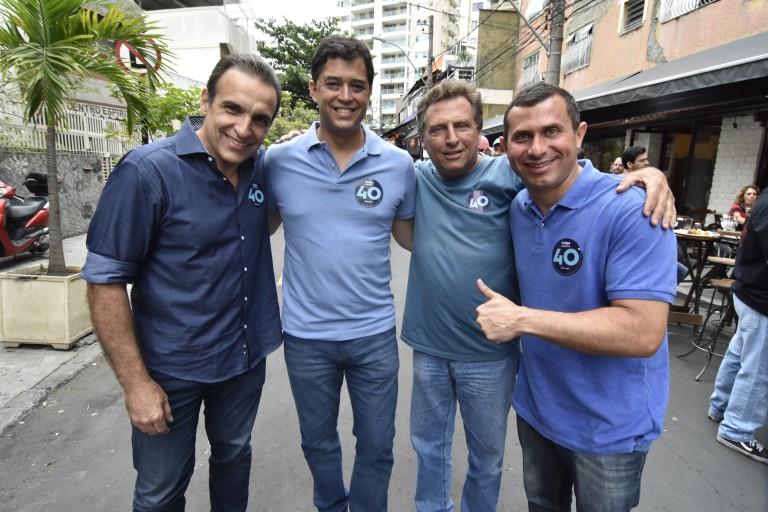 Felipe Peixoto faz correata na Zona Norte e recebe o apoio de Indio da Costa