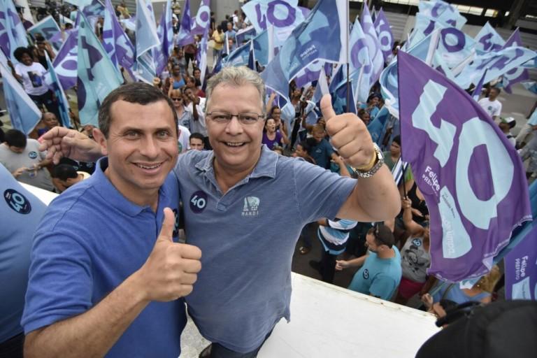 Felipe Peixoto marca encerramento de campanha com ato que reuniu cerca de 300 pessoas na Praça Araribóia