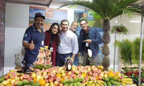 Felipe Peixoto mantém a tradição e participa da Festa do Tomate de Paty