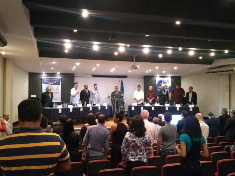 Felipe participa de encontro na CDL e apresenta propostas para o setor de comércio e serviços